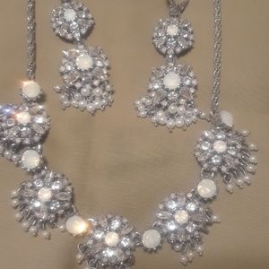 Marchesa opal,pearls,rhineston,beads Neclace and e